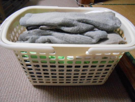カゴに入った洗濯物